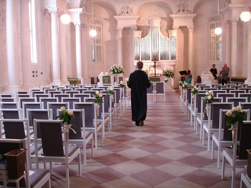 結婚式で着る訪問着、帯の色選びはフォーマル向きのものを!