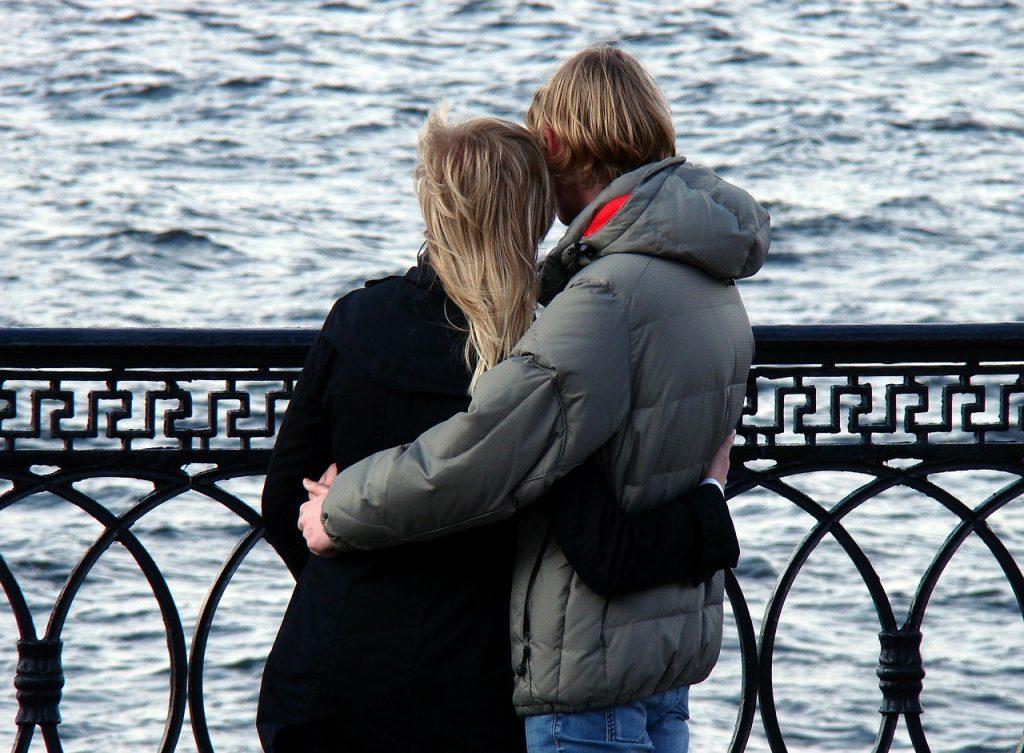 彼氏彼女のあり方~不安な時は素直に想いを伝えるのが大切!