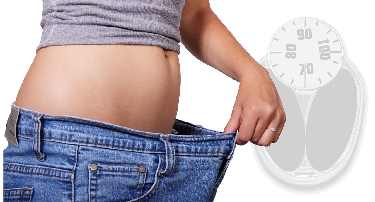 体重は標準以下が目標?女性の理想体重は標準体重より痩せ過ぎ傾向
