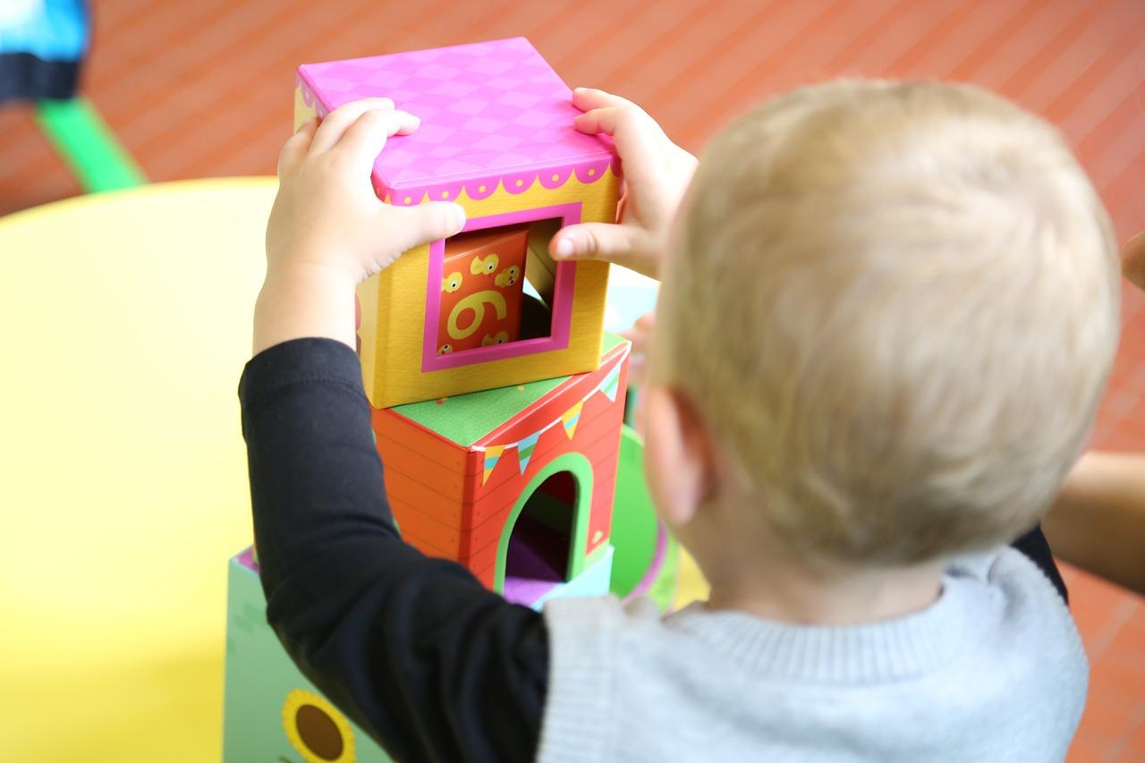 イヤイヤ期の2歳児も大喜び!保育園ではどんな遊びをするの?
