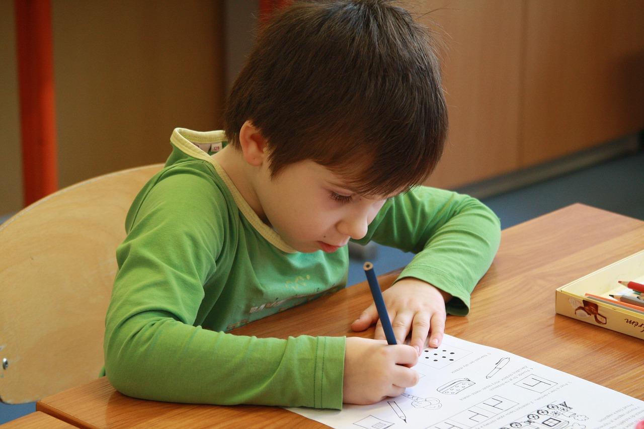 「家庭教育方針」なんて書いたらいいの?書き方を教えて!!