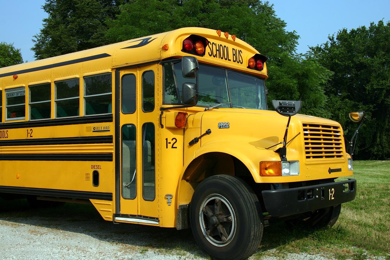 幼稚園のバス停問題|苦痛な子どもの送迎・ご近所トラブルの解決策!