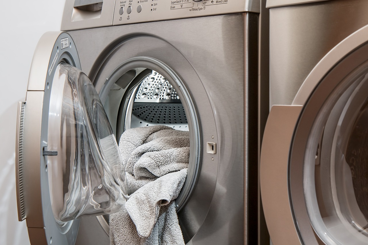 屋外設置の洗濯機用カバー【雨風対策の必要性】付けるメリットや注意点