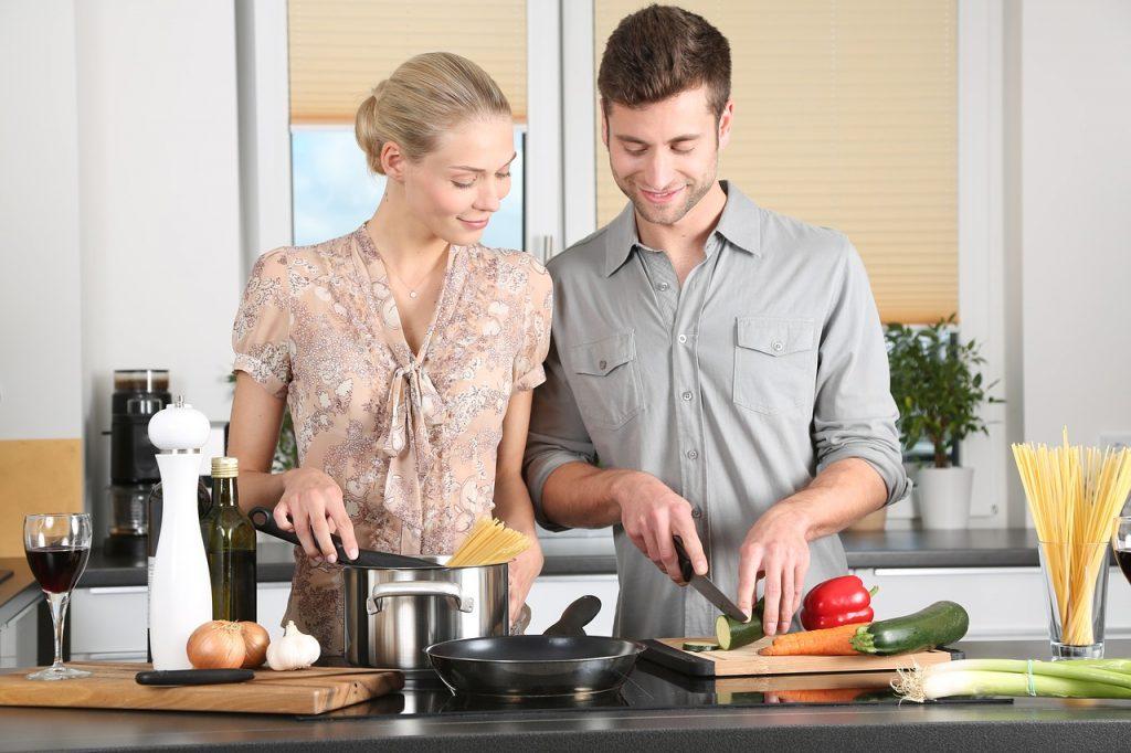 夫婦2人なのに生活費が高い・・・食費はもっと節約できる!