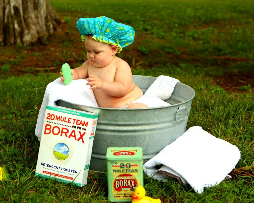 赤ちゃんには低刺激石鹸を。顔の洗い方のコツと注意点