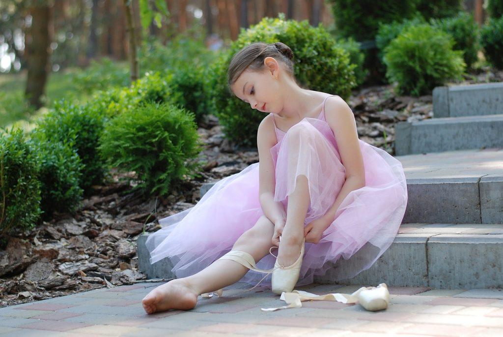 バレエをやると足が変形する?!気を付けてることや対策方法!