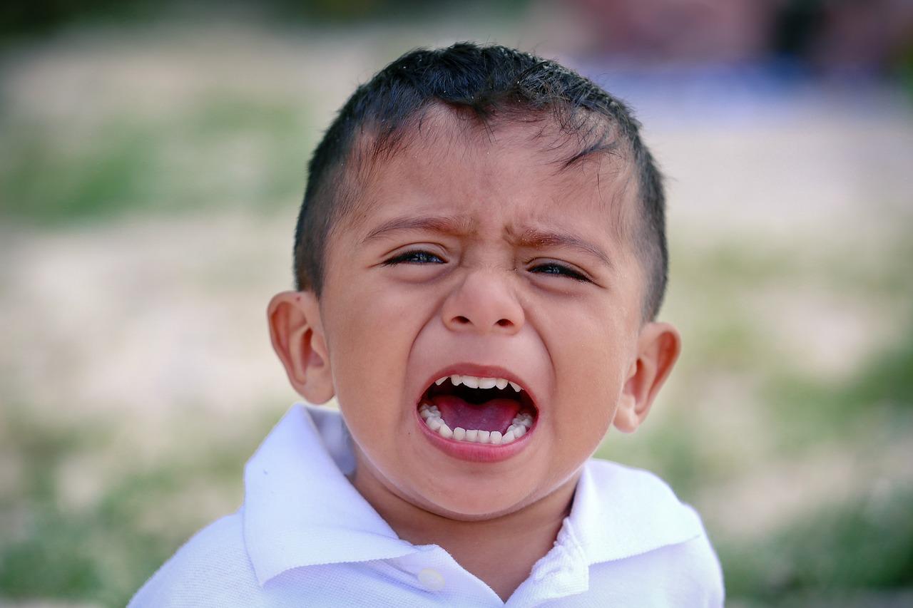子供が友達間でトラブルに!親が介入すべきケースと注意点