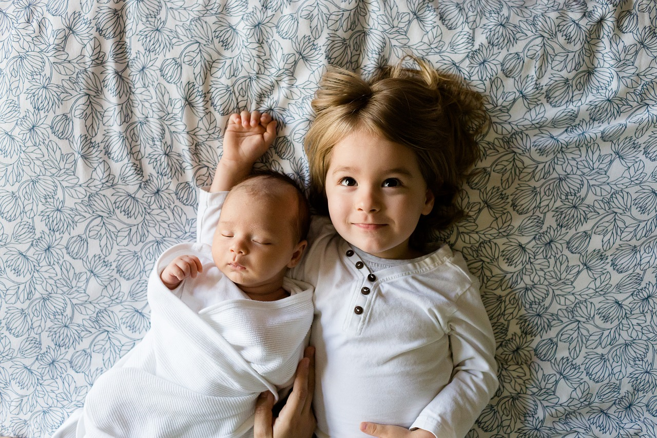 困った大変!子供2人の寝かしつけ…スムーズな寝かし方ポイント紹介