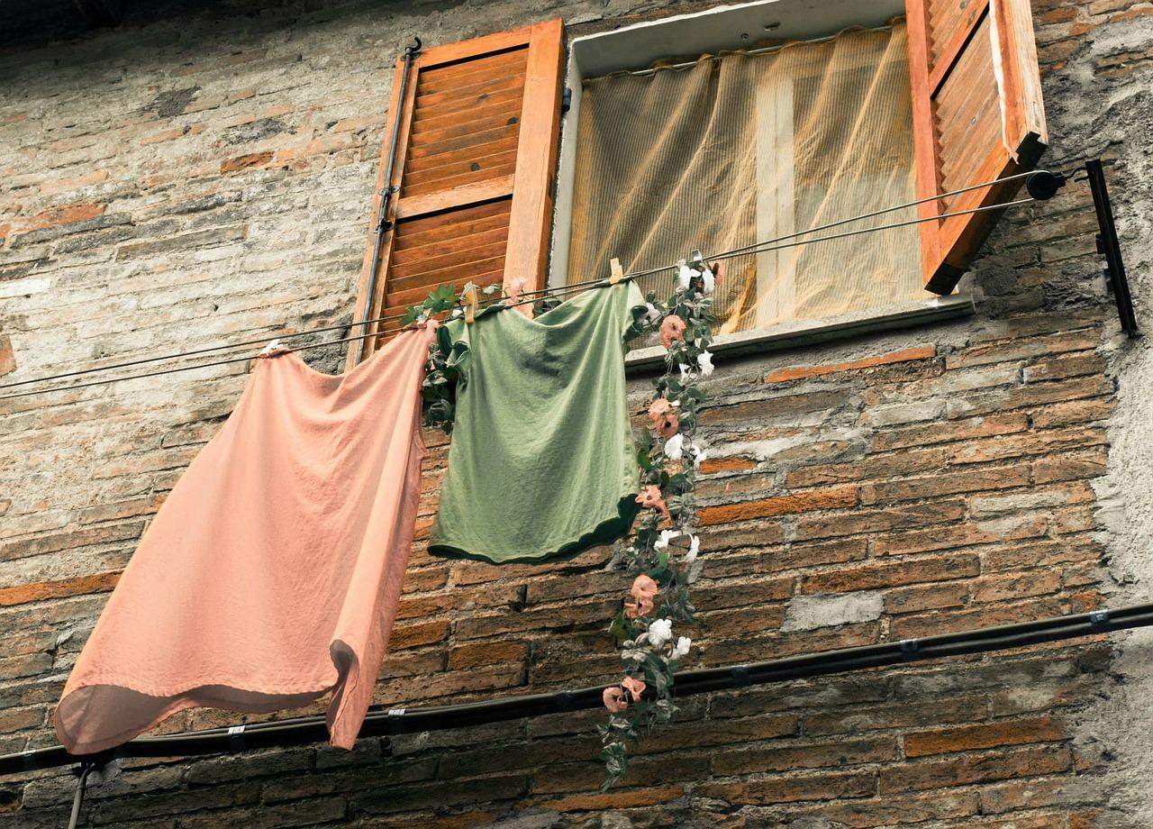 大切な衣類を守る!レーヨンと綿の混合の服、自宅での洗濯方法は?