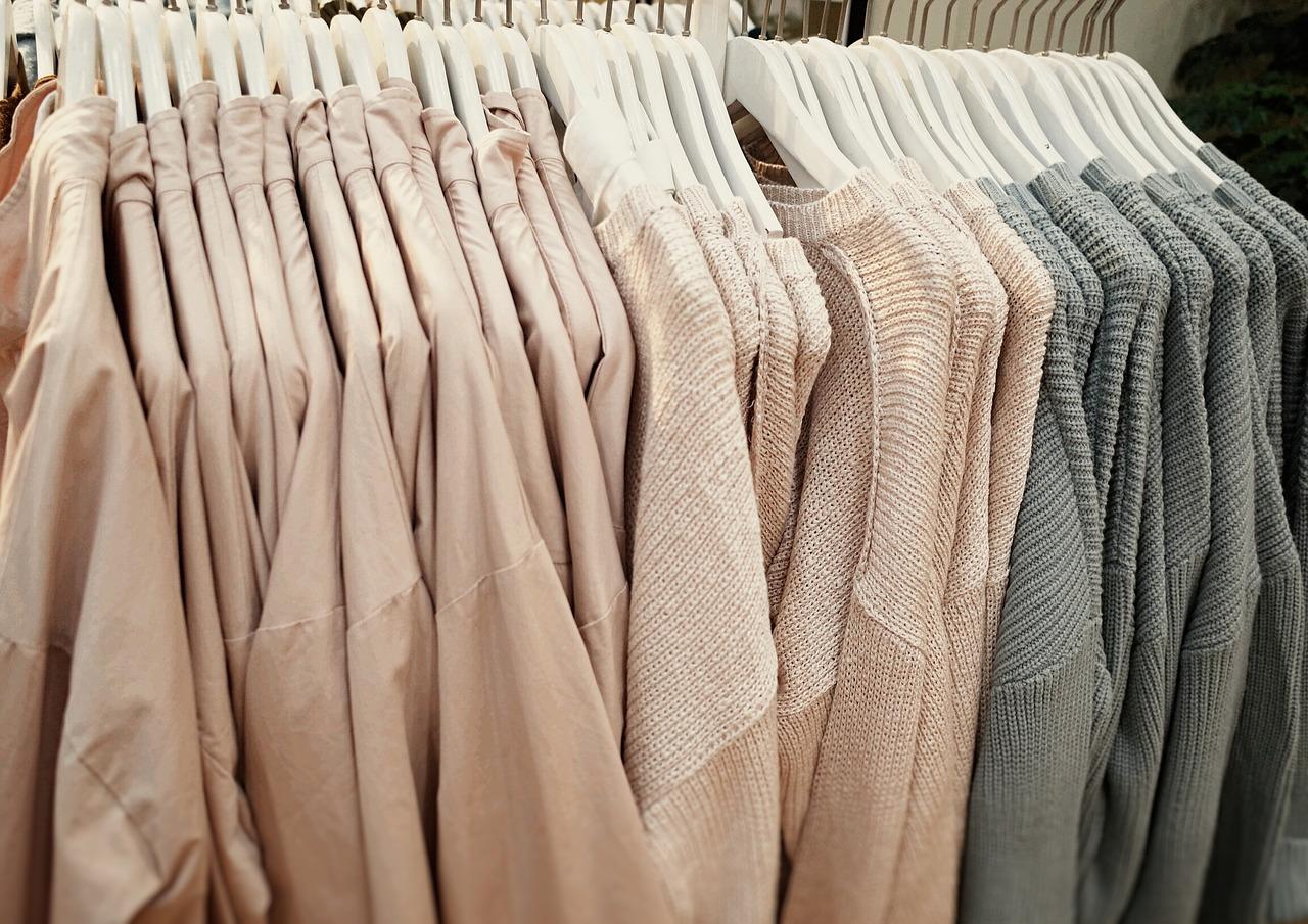 レーヨンとナイロン素材の衣類について|毛玉が出来やすいのは?