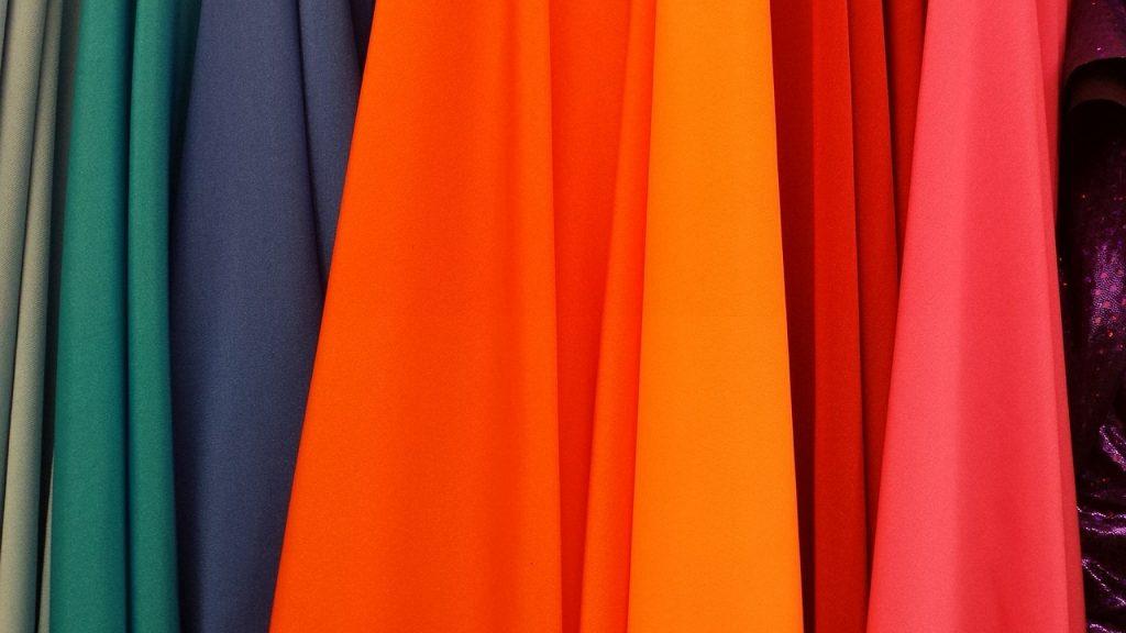 意外に悩む…カラードレス試着の注意点