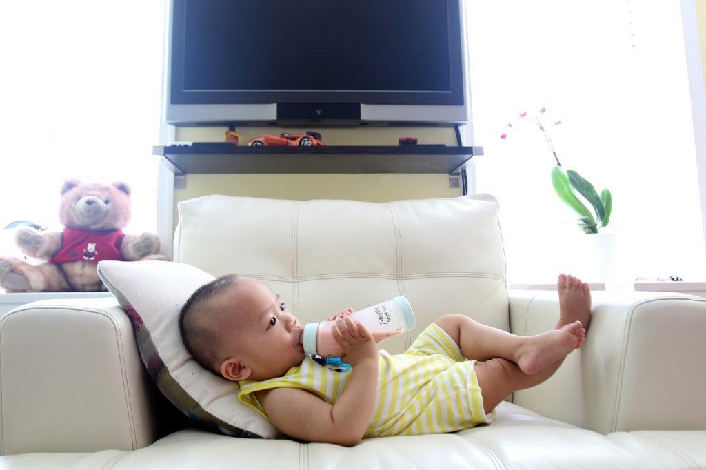 赤ちゃんの体重増えすぎの原因や対策について紹介します!