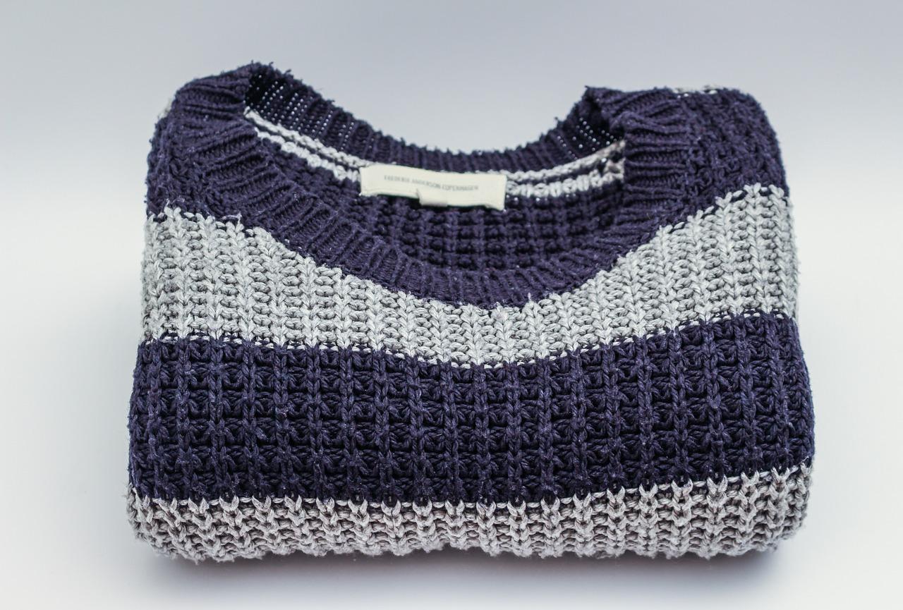 セーターで失敗!洗濯で元に縮ませる事できる?伸びて型崩れの戻し方