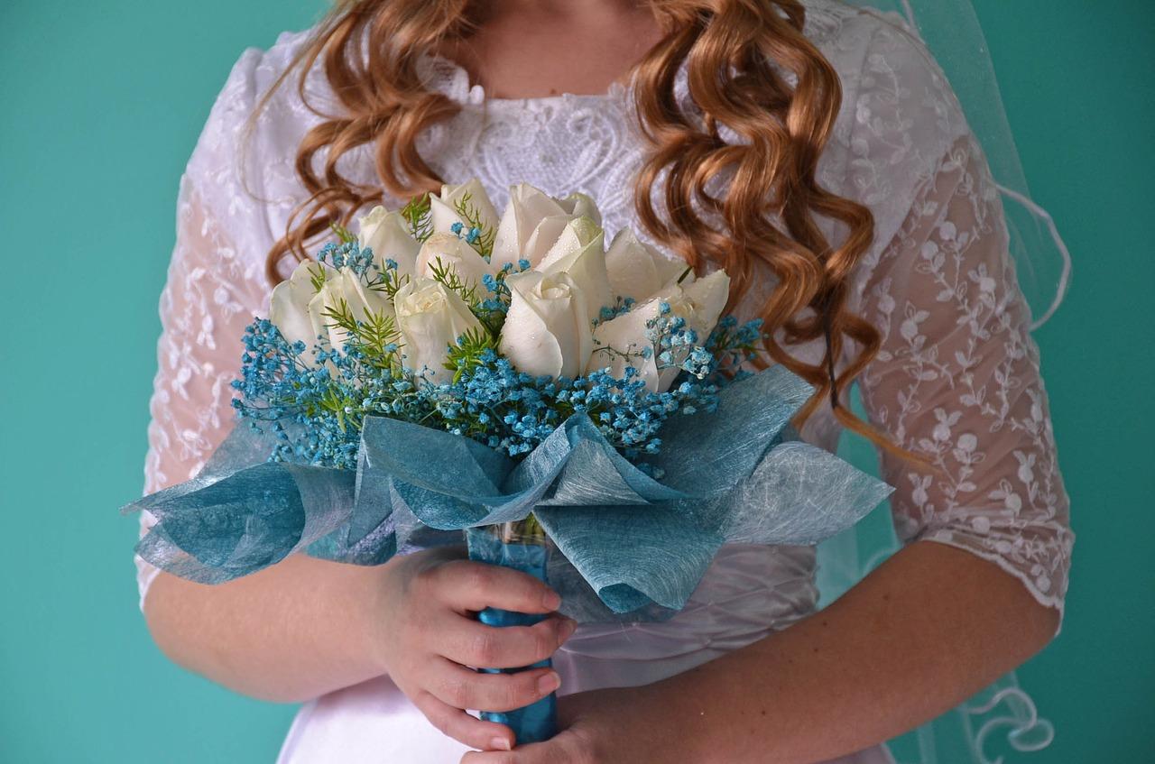 焦る!女性の結婚年齢…早い方が良い?メリット・デメリットを調査