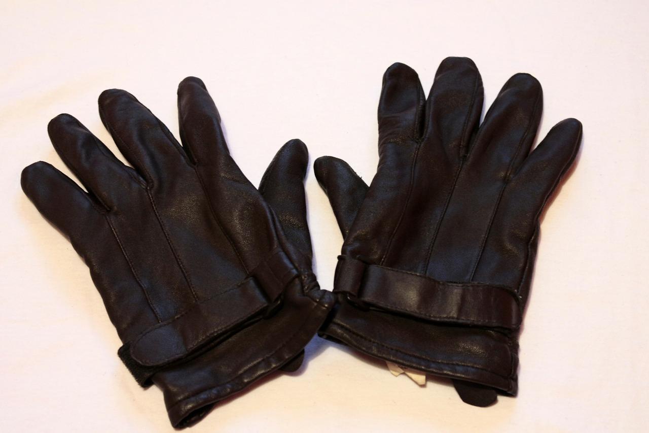 スエード手袋「洗い方の基本」自分でも洗濯可能!革専用洗剤で手洗い