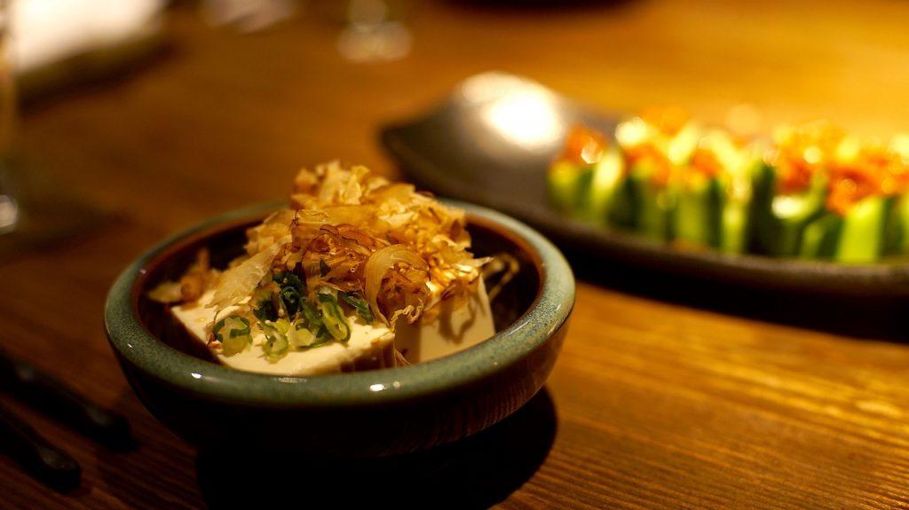 豆腐を冷凍したら黄色に変色!食べることは出来るのかを調査!