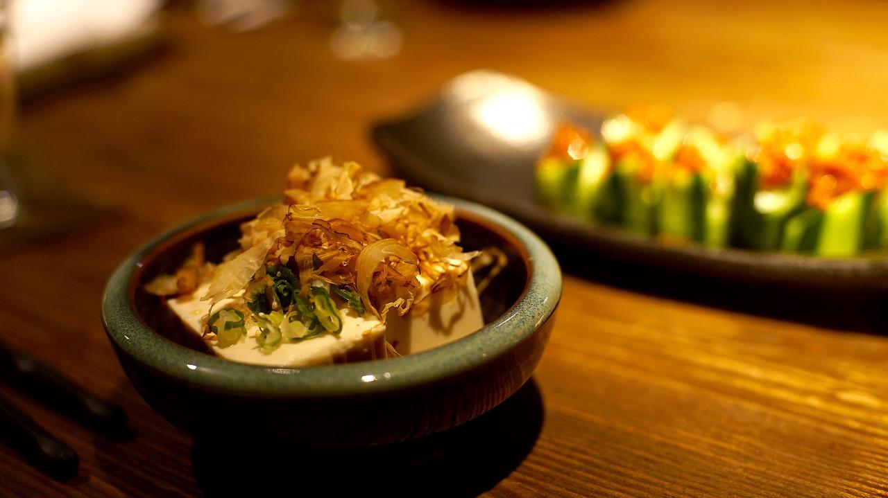 豆腐を冷凍してみたら黄色に変色!離乳食にも使えて実は便利!