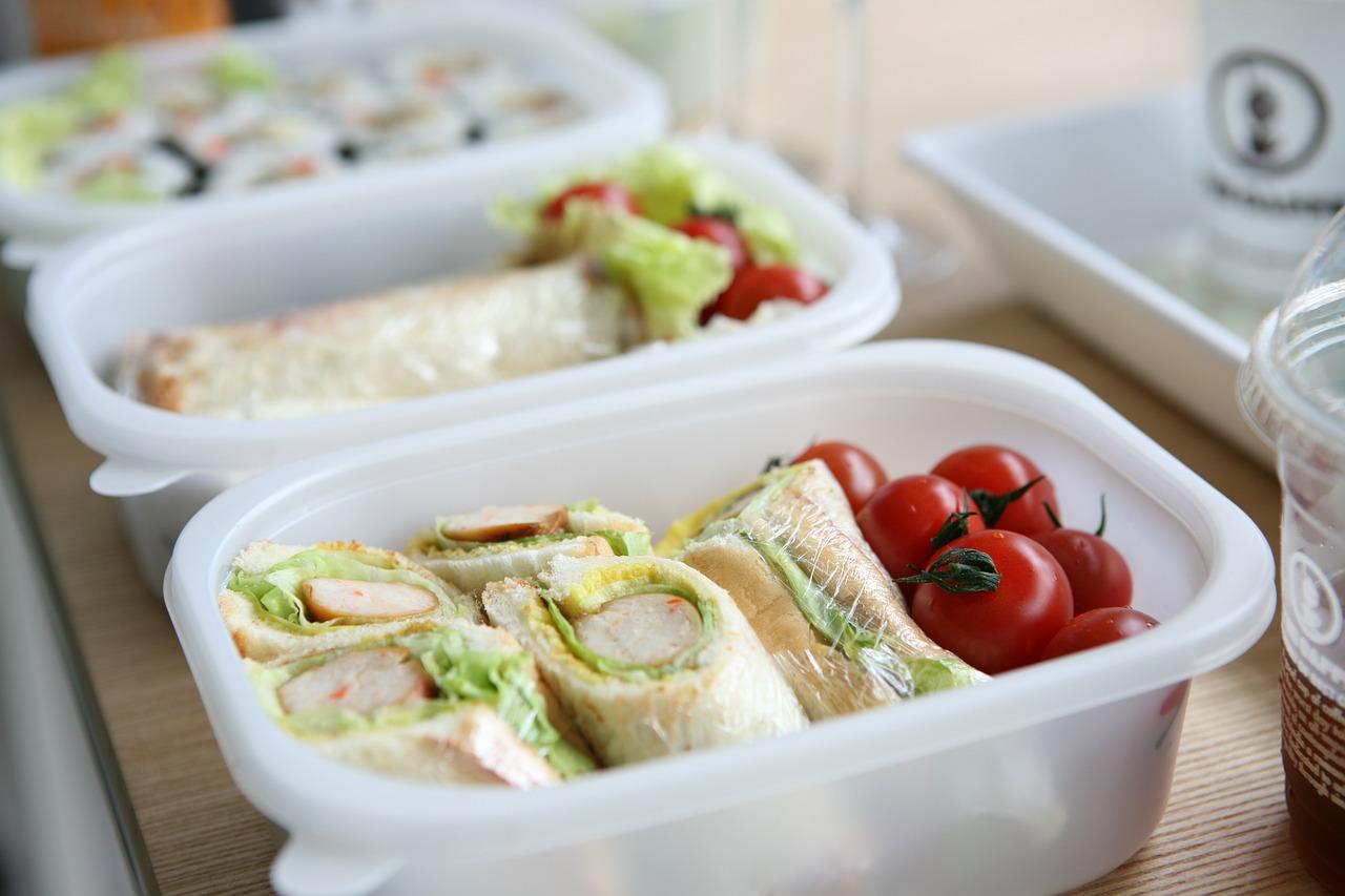 毎朝のお弁当作りは大変!栄養バランスと彩り豊かになる方法