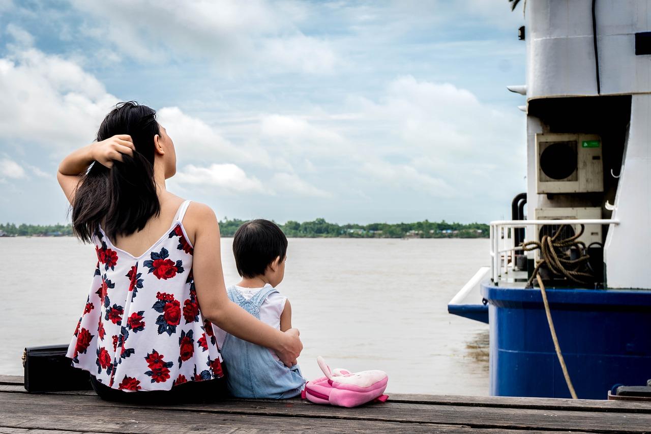 「子供が苦手」子育てに悩んでいる人は意外に多い…その背景には何が?