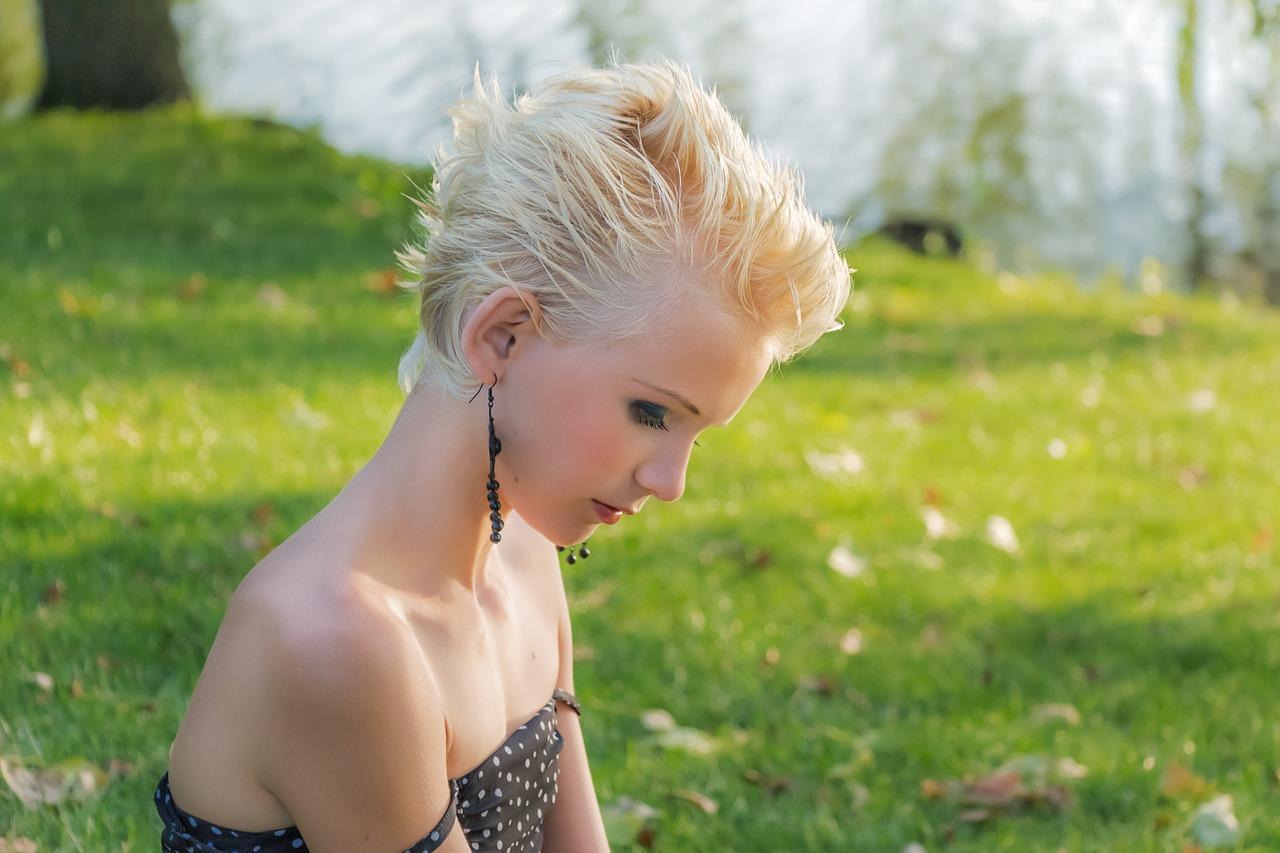 髪をショートにばっさり切る心理と、ヘアドネーション