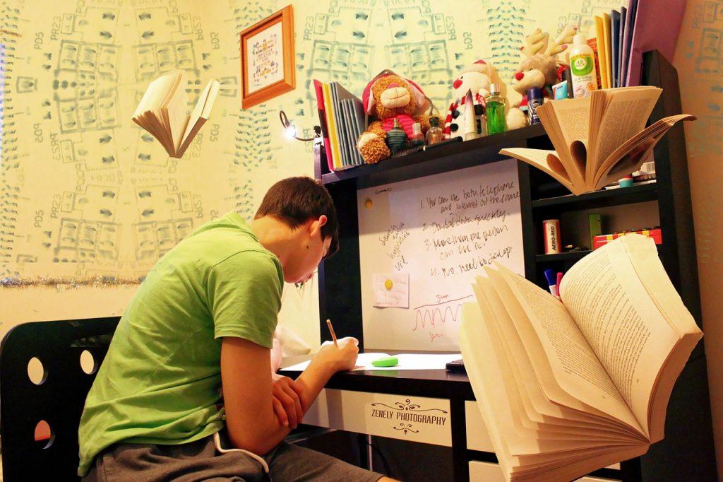 高校生の子供が勉強しない…親が叱る時に気を付ける事!