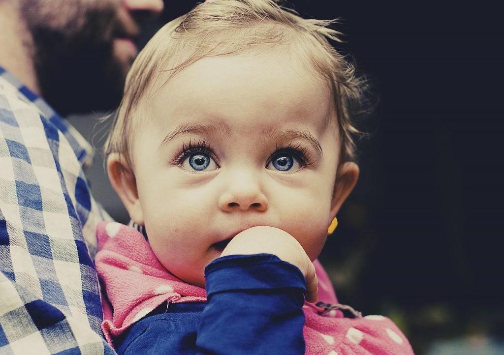 子供の成長:赤ちゃんは言葉をいつから喋るの?