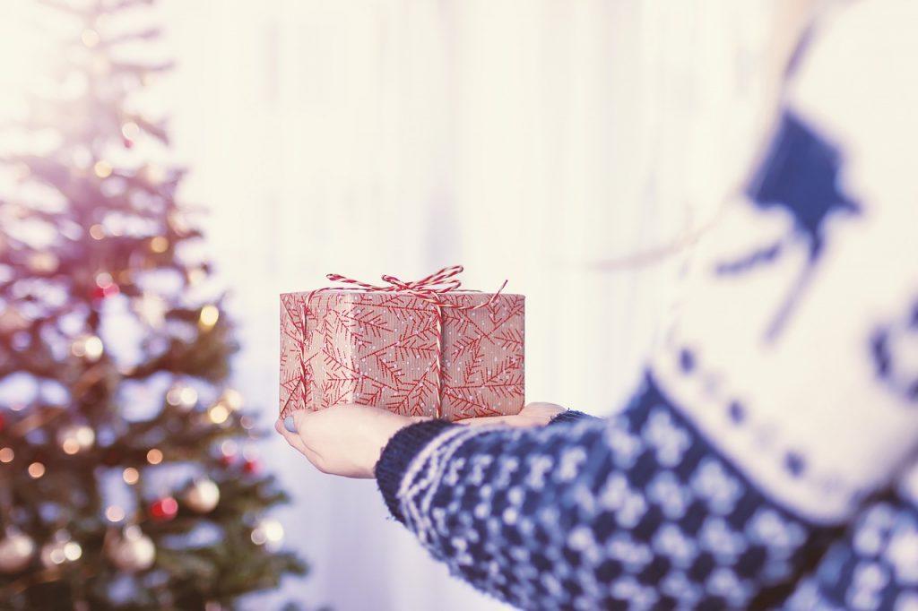 プレゼントは何?男性がグッと来るクリスマスにするには!