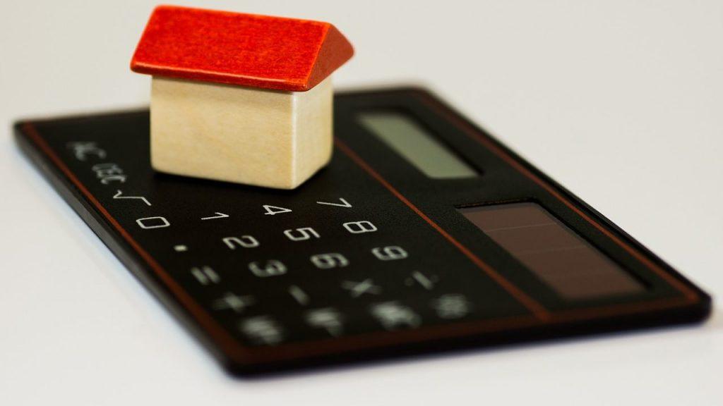 夫婦二人の生活費の平均って?平均を知って節約につなげよう
