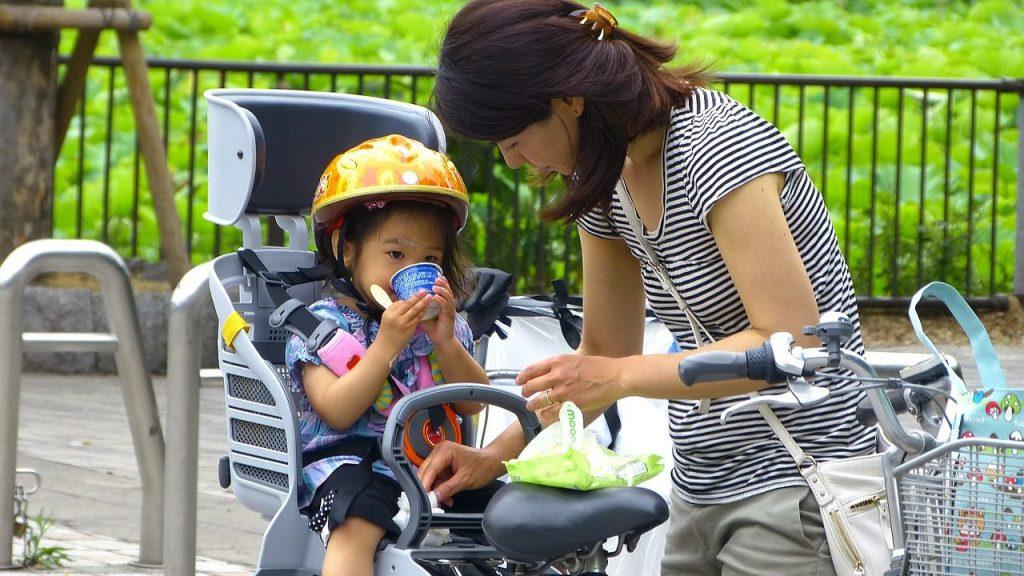 自転車に子供を乗せられるのは何歳から
