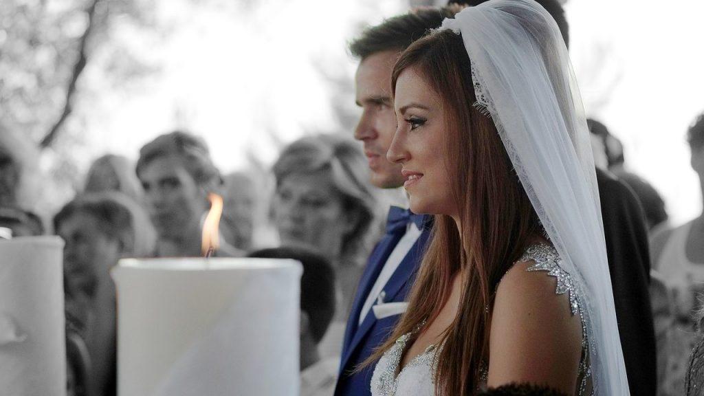 好きな人の結婚式に行きたくない時、あなたならどうする