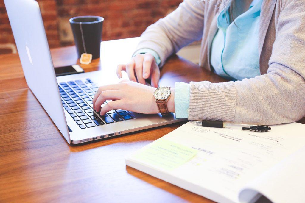 How to!仕事の目標設定。例えば事務職ならこう書く!