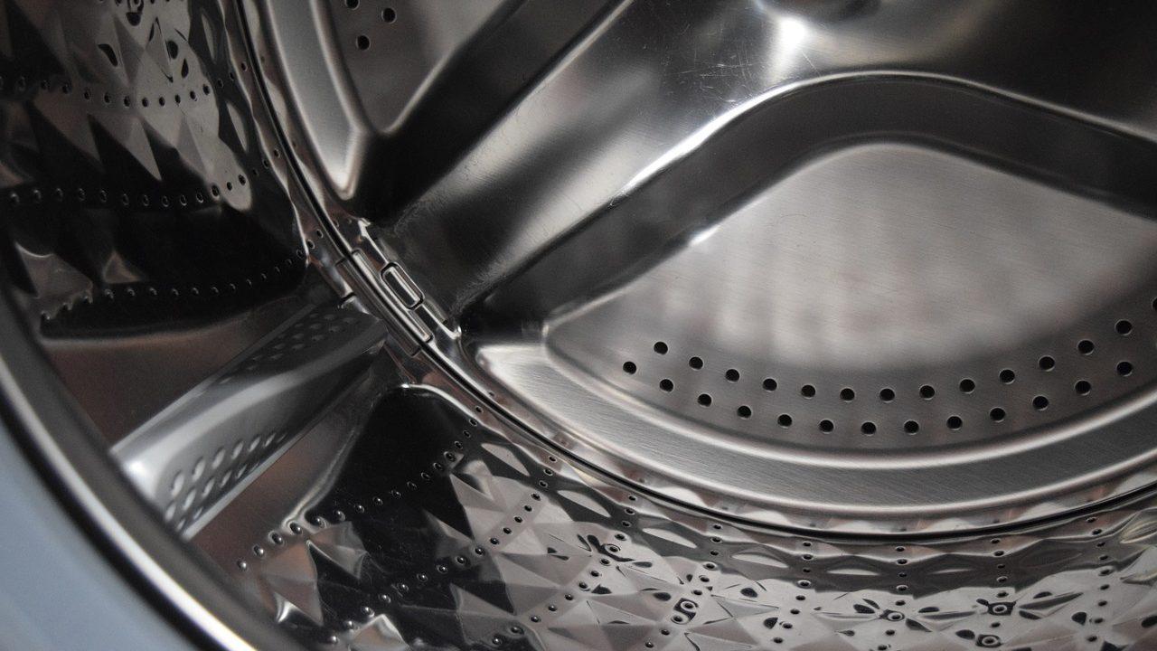 シャープ製洗濯機|生臭い気になる嫌なニオイ…原因は?消臭の対処法
