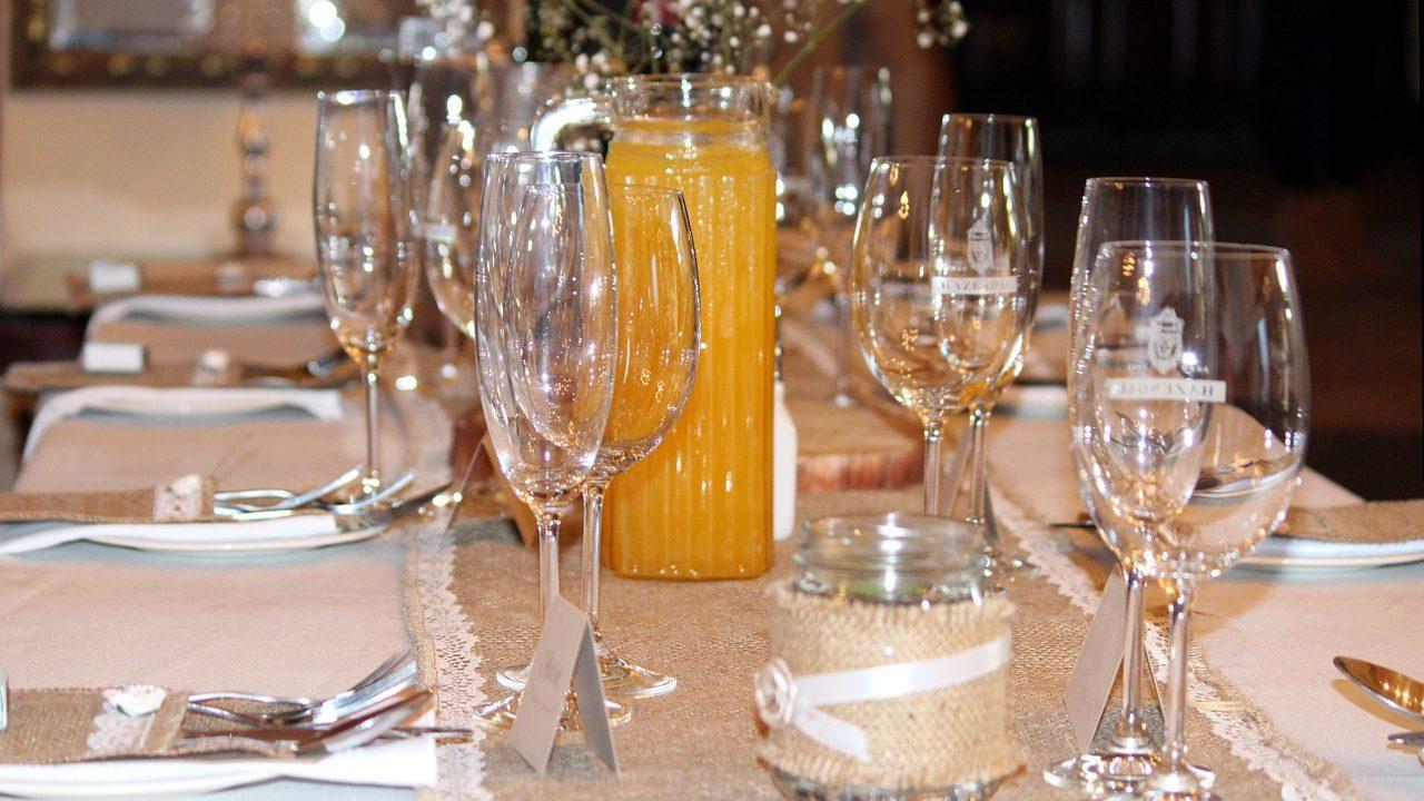 最近の結婚式事情|「披露宴なしで会食のみ」のプランが人気上昇中