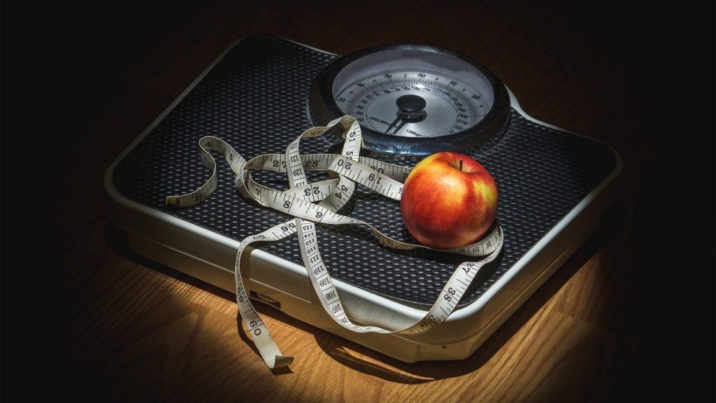 ダイエット初めて1ヶ月!でも体重減らない。どうしよう?
