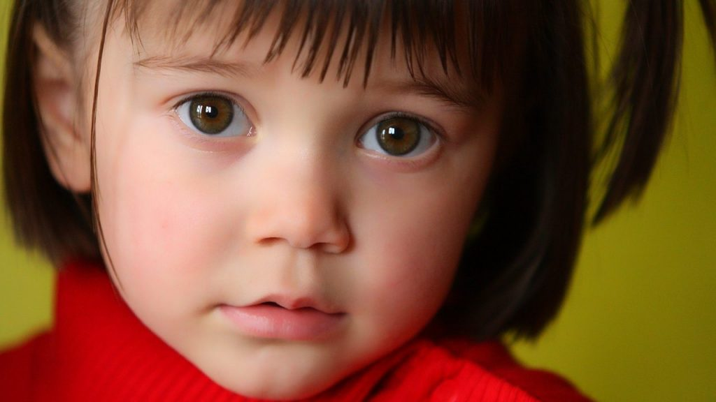 子供が言葉につまる…吃音の原因や対処法